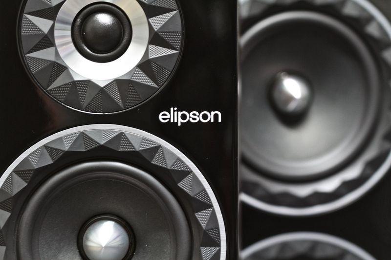 Elipson tiếp tục mở rộng Prestige Facet Series với loa cột đầu bảng 34F