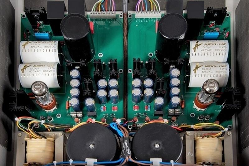 Audio Exklusiv công bố pre-amp đèn R7