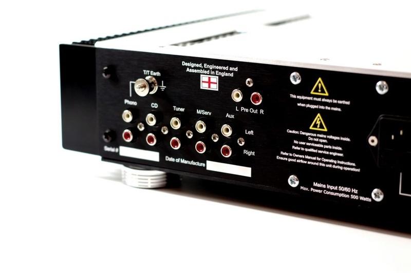 Ovation High Fidelity giới thiệu ampli tích hợp Model 1707