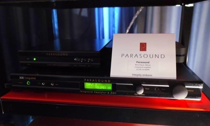 Ampli tích hợp Parasound NewClassic 200