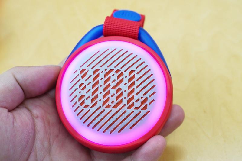 JBL ra mắt loa di động chống nước JR Pop
