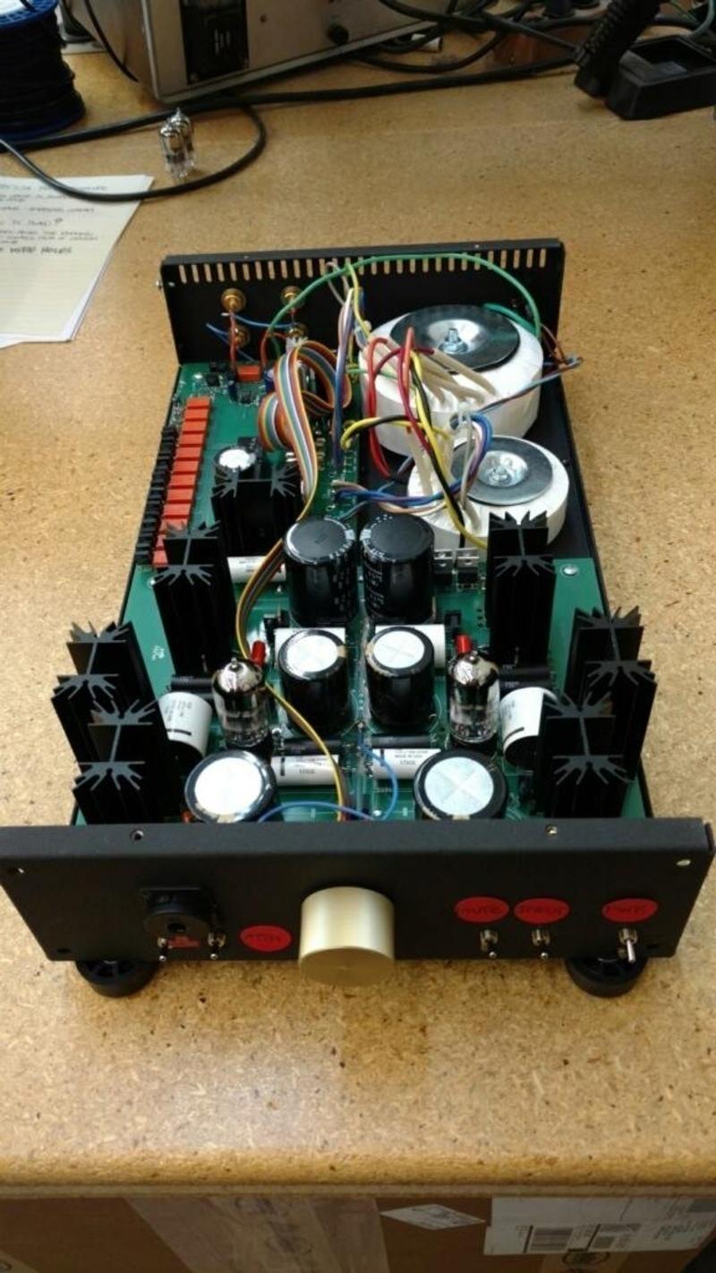 Conrad-Johnson công bố bộ khuếch đại tai nghe HVA 1