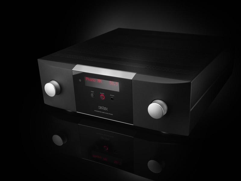 Mark Levinson chính thức ra mắt bộ đôi ampli tích hợp hi-end No.5802 và No.5805