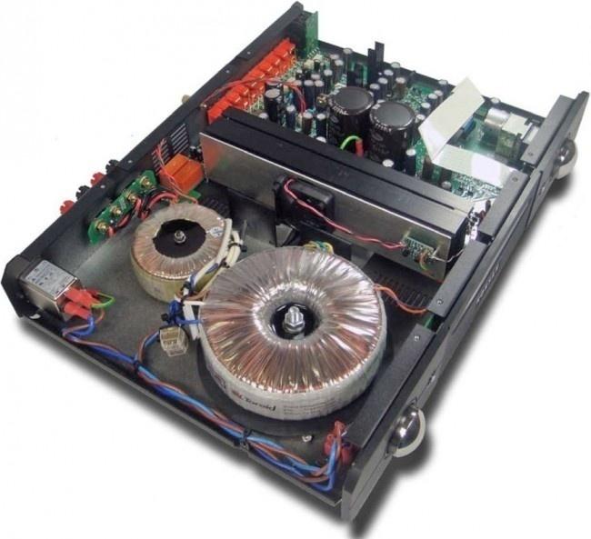 Trải nghiệm ampli tích hợp Roksan M2