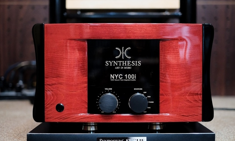 Synthesis NYC100i Duo Mono: Ampli đèn tích hợp hạng nặng