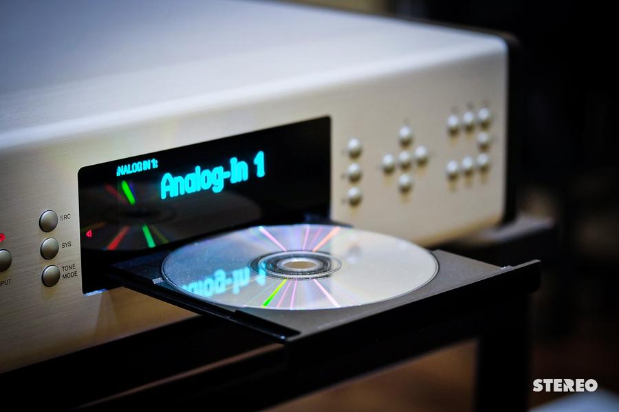 So sánh việc nghe nhạc qua streaming và đĩa CD