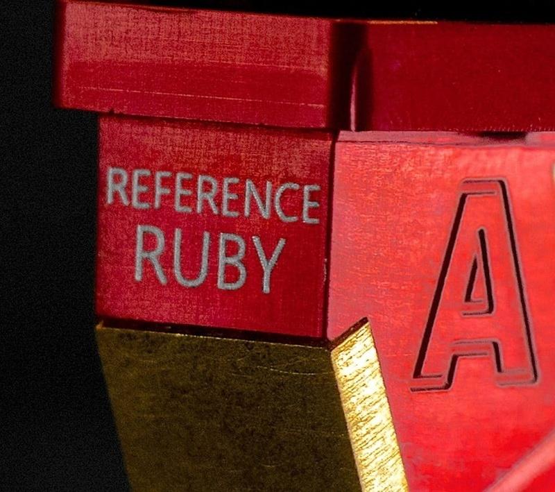 AVID HiFi giới thiệu đầu kim đĩa than Reference Ruby