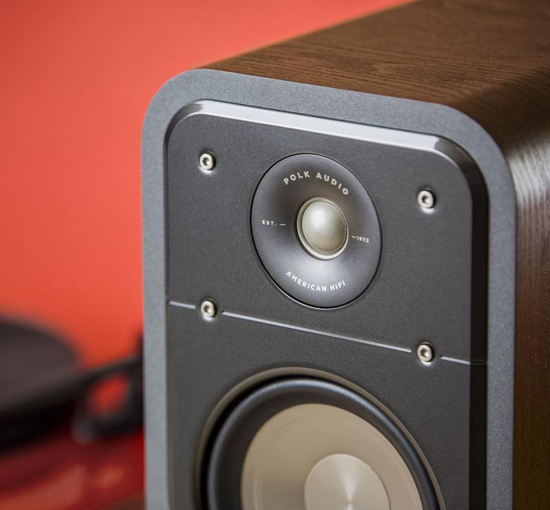 Loa bookshelf Polk Audio S20: Nhỏ xinh, hát hay và giá rẻ
