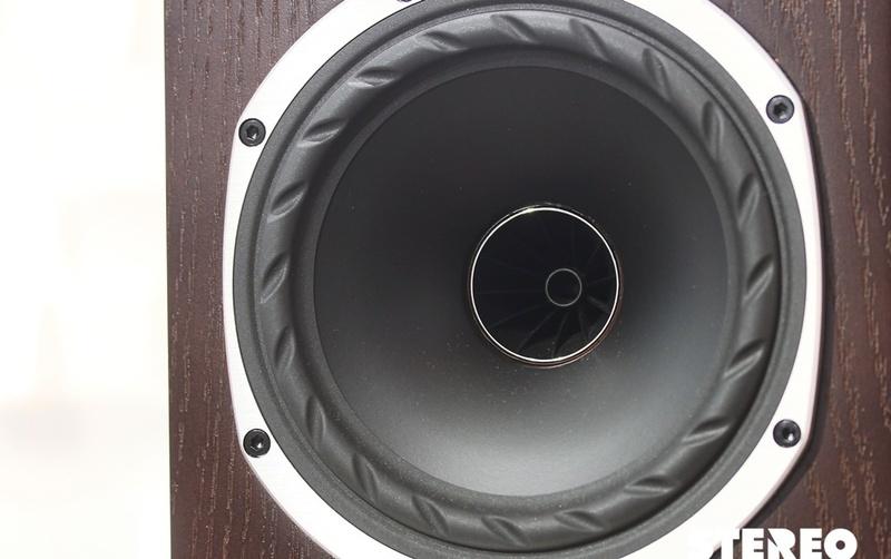 Fyne Audio F500: Nhỏ xinh, hát hay, giá mềm