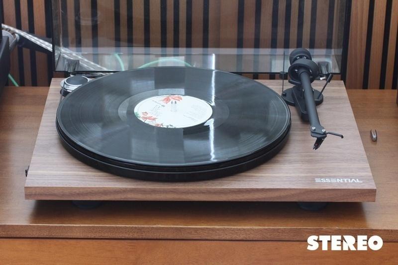 Pro-Ject Essential III Phono: Điều kỳ diệu của mâm đĩa 12 triệu