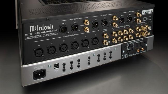 Preamplifier C2700: Thêm một sản phẩm mới sử dụng DA2 DAC từ McIntosh