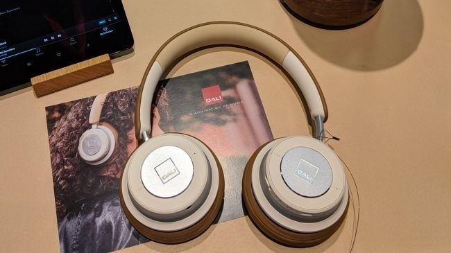 iO-4 và iO-6: Bộ đôi tai nghe không dây đầu tiên đến từ thương hiệu Dali