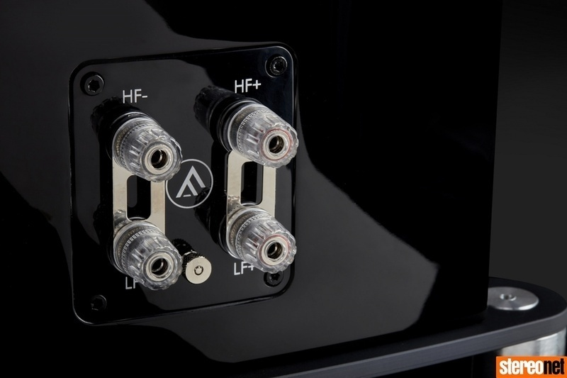 Fyne Audio công bố mẫu loa cột cao cấp F502SP 'Special Production'