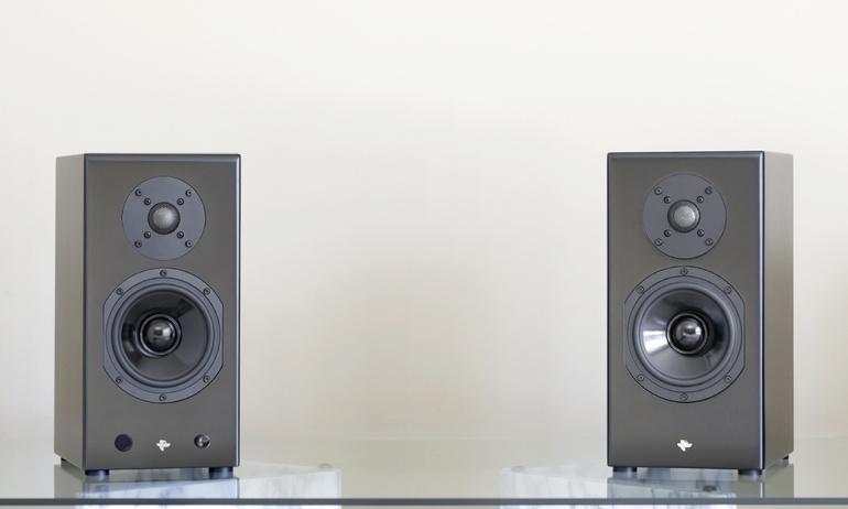 Totem Acoustics giới thiệu bộ loa tích hợp không dây KIN Play Mini