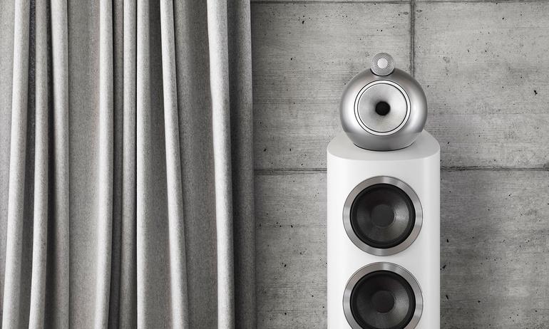 Thưởng thức âm nhạc từ hệ thống loa B&W 803 D3