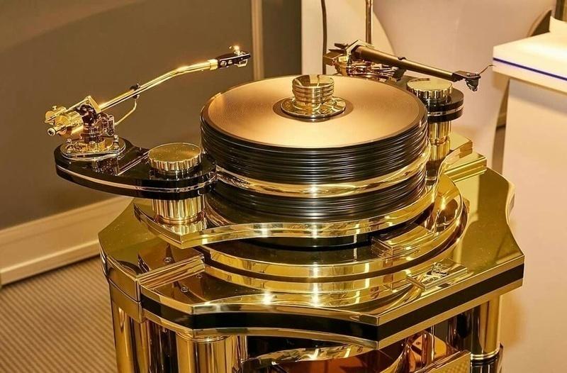 Lịch sử thương hiệu mâm đĩa than Transrotor (Đức)