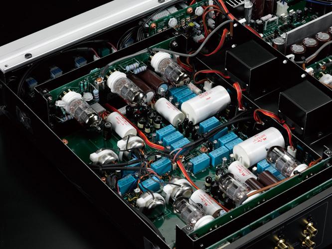 Phono preamplifier đèn Luxman EQ-500: Đối tác dành cho các hệ thống tham chiếu dùng mâm đĩa than