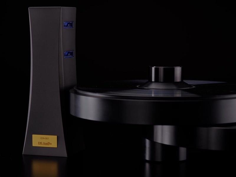 DS Audio trình làng ION-001: Chiếc máy dùng công nghệ ion để gột sạch tĩnh điện trên đĩa vinyl