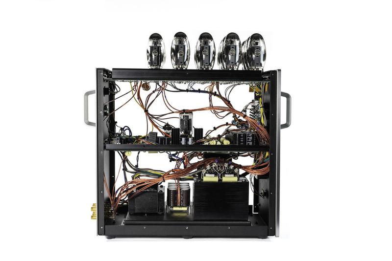 Audio Research nâng cấp bộ ampli pre-pow đầu bảng Reference 6SE & Reference 750SEL