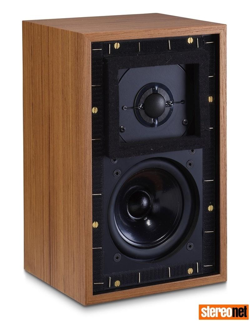 Falcon Acoustics công bố mẫu loa bookshelf Gold Badge LS3/5a và bộ linh kiện DIY