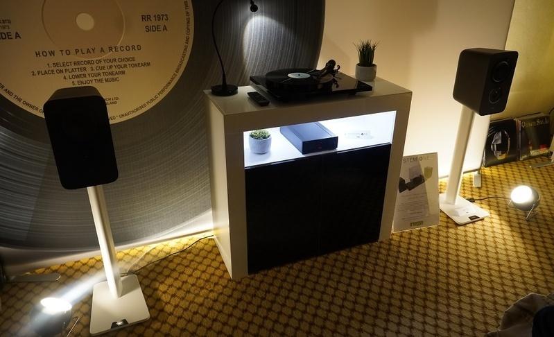 Rega ra mắt System One: Phương án tiếp cận bộ môn đĩa than đơn giản nhất cho người mới