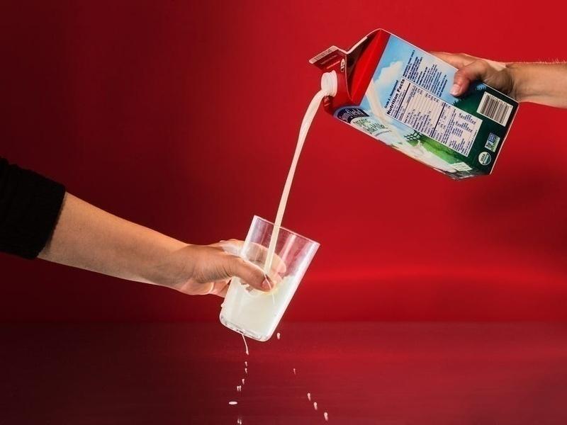 5 tác dụng phụ của việc uống quá nhiều sữa tươi