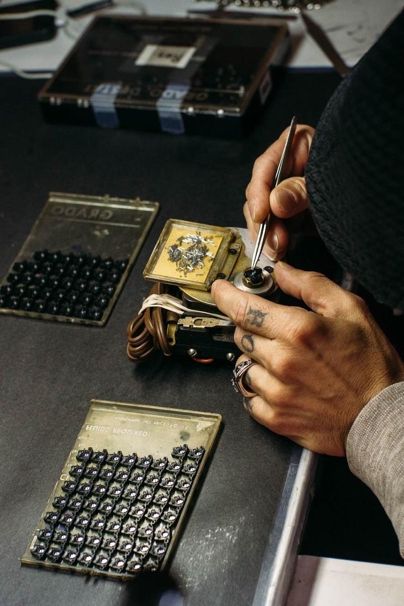 Grado giới thiệu phono cartridge vỏ gỗ thích đầu tiên của hãng mang tên Opus3