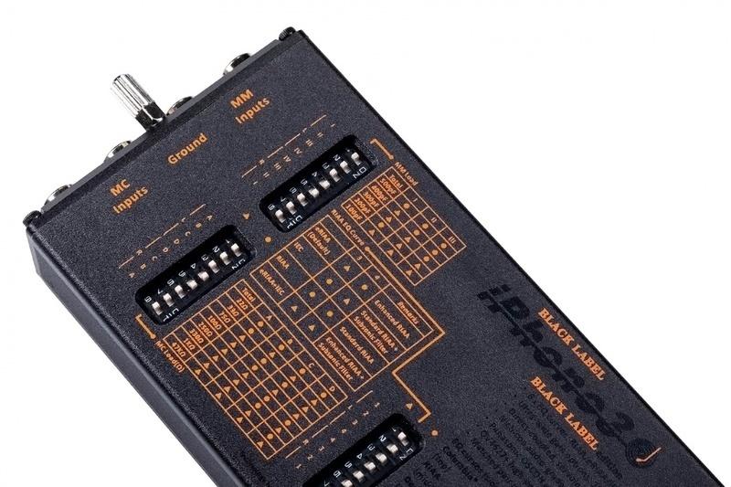 iFi iPhono3 Black Label: Phono preamp hi-end dành cho mọi cartridge và bản ghi