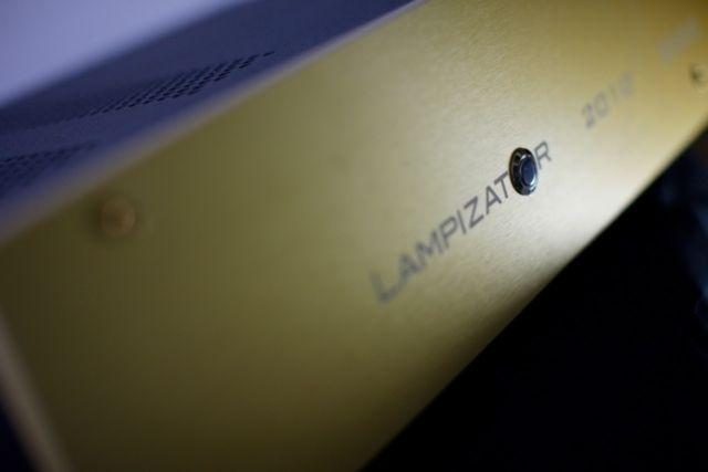 LampizatOr kỷ niệm cột mốc 10 năm của hãng bằng mẫu phono MM2 giá hơn 100 triệu đồng