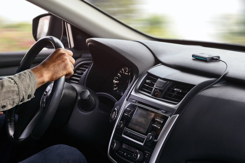 Echo Auto: Món phụ kiện Alexa đầu tiên của Amazon dành cho xe hơi