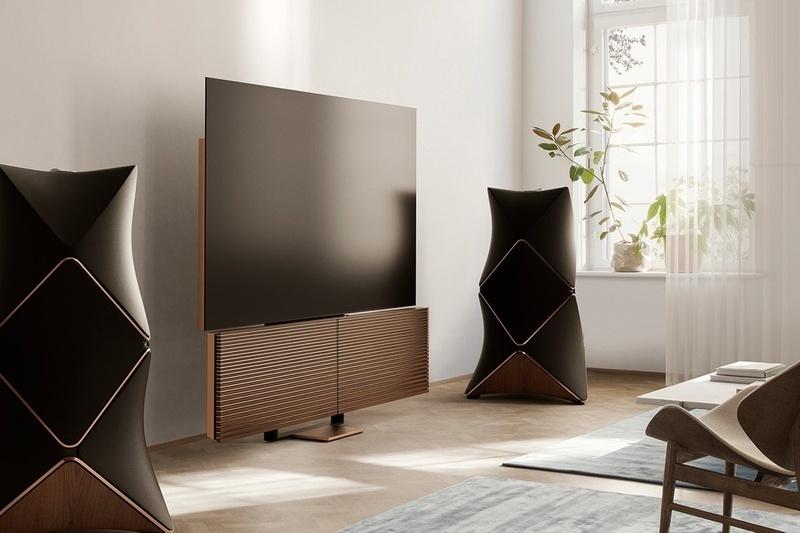 B&O ra mắt chiếc TV OLED 8K 88-inch đầu tiên trên thế giới