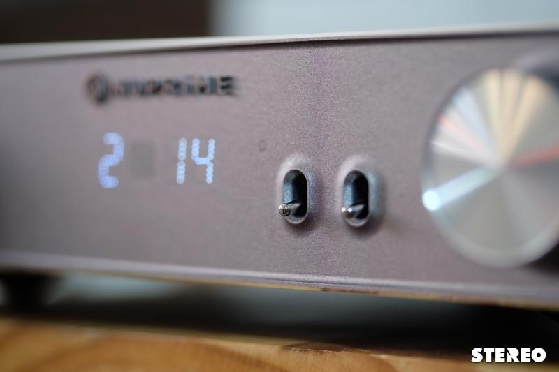 Preamp Nuprime AMG PRA: Thưởng thức âm thanh kiểu đèn điện tử