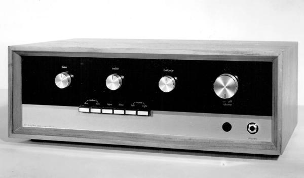 Nghe nhạc với ampli thuần class A Sugden Masterclass ANV-50