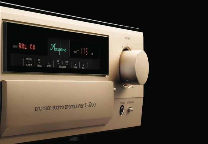 Accuphase kỉ niệm 50 năm bằng chiếc pre-amp đỉnh cao C-3900 50th Anniversary