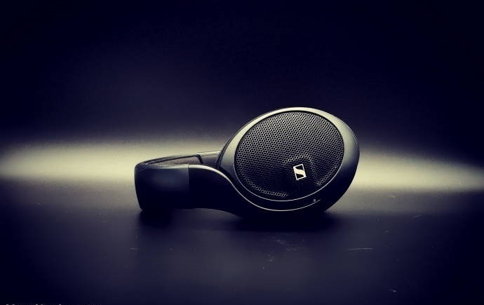 Sennheiser tung ra mẫu tai nghe tầm trung HD 560S, giá 4,6 triệu đồng