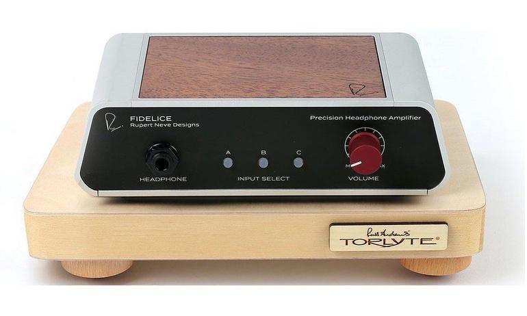 Russ Andrews giới thiệu hai mẫu tấm kê Torlyte mới dành cho các dòng máy nhỏ