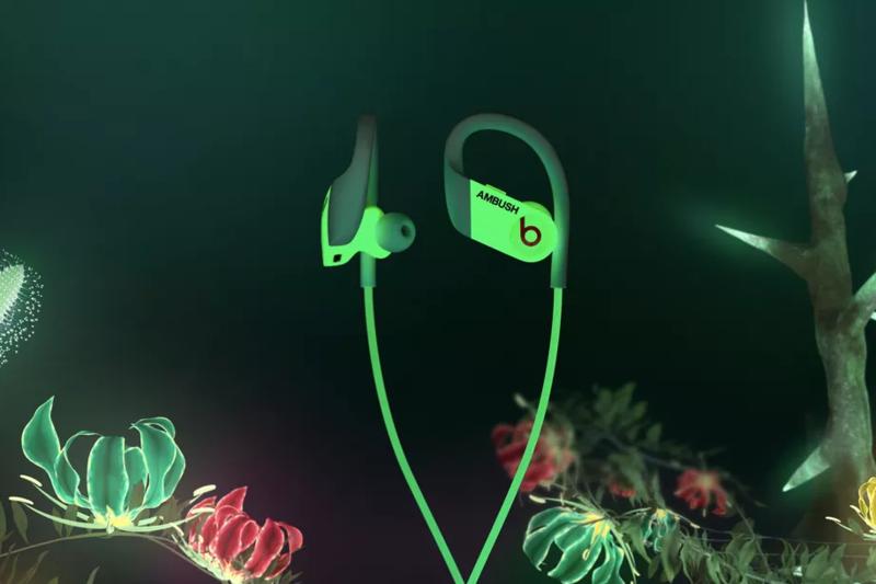 Beats trình làng phiên bản Ambush Glow của tai nghe không dây Powerbeats