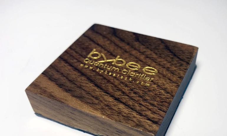 Bybee Quantum Clarifier: Những miếng gỗ lượng tử nâng cấp âm thanh