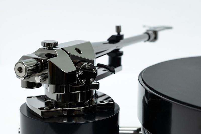 Transrotor giới thiệu dòng tay cần tham chiếu mới của hãng mang tên TRA 9
