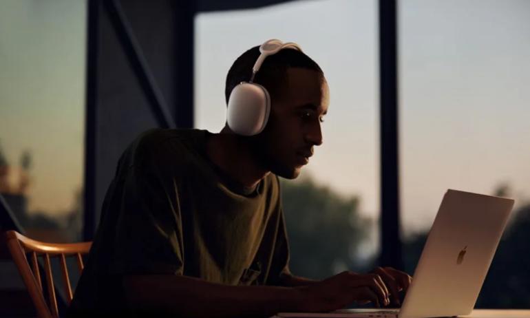 Netflix thử nghiệm khả năng hỗ trợ công nghệ spatial audio trên AirPods Pro và Max