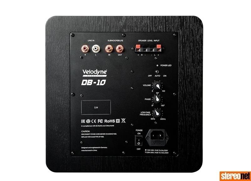 Velodyne Acoustics giới thiệu dòng loa subwoofer Deep Blue, giá khởi điểm từ 660 Bảng Anh