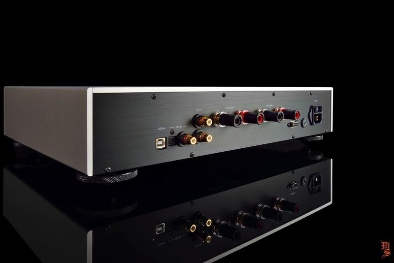 Goldmund hé lộ thêm hình ảnh mới của ampli tích hợp Telos 7 NextGen