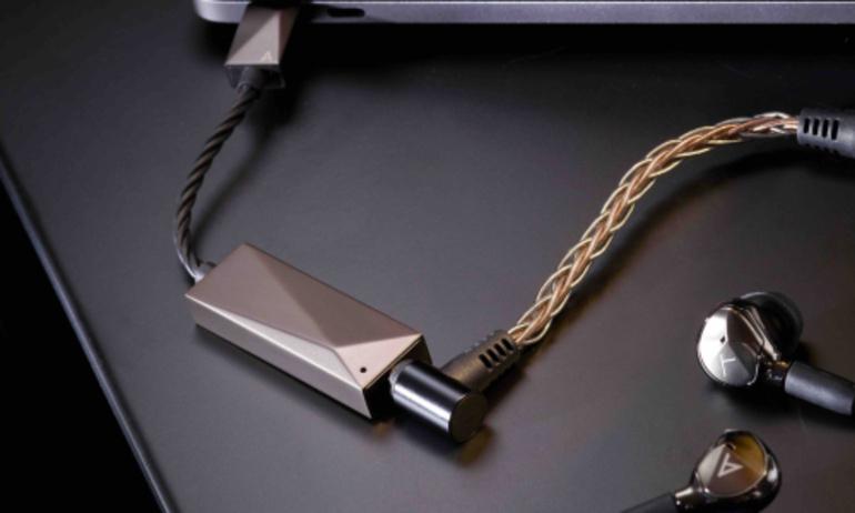 Astell & Kern trình làng AK USB-C Dual DAC Cable