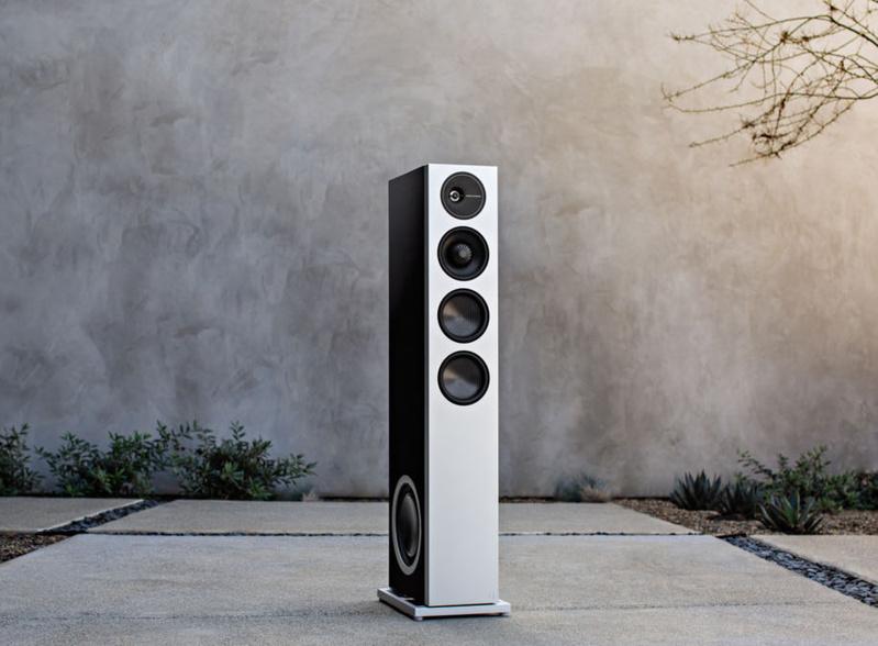 Definitive Technology Demand D17: Đối tác cho các phòng nghe lớn