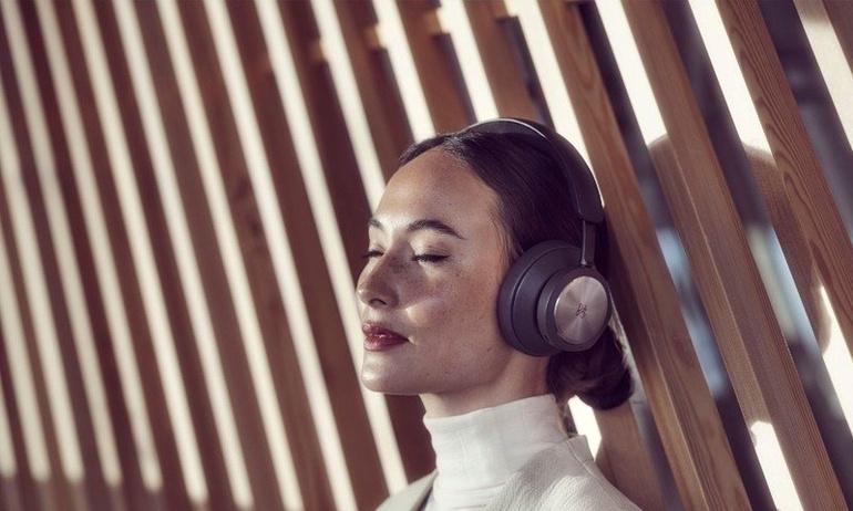 Beoplay Portal: Tai nghe over-ear dành cho game thủ từ Bang & Olufsen