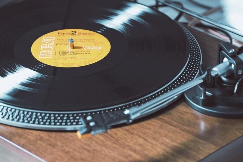 Doanh thu từ Vinyl có thể vượt qua CD tại thị trường Anh trong năm 2021