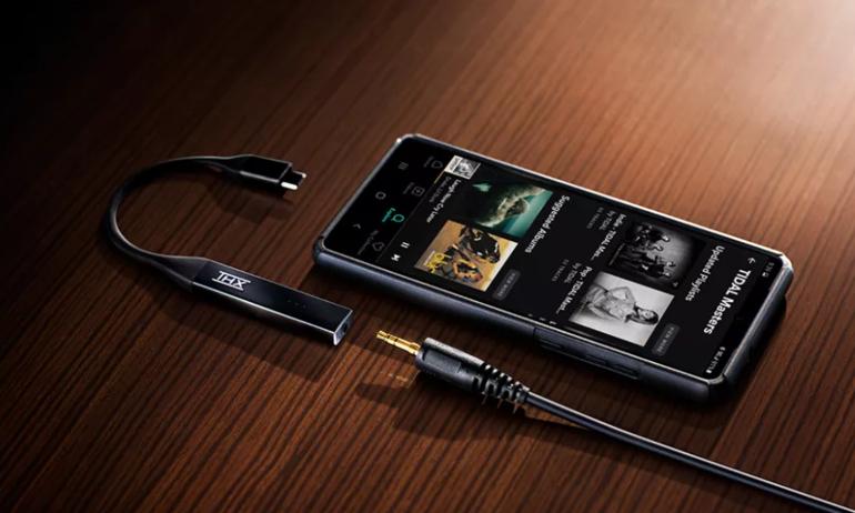 THX Onyx: Chiếc USB DAC nhỏ gọn với khả năng xử lý MQA hấp dẫn