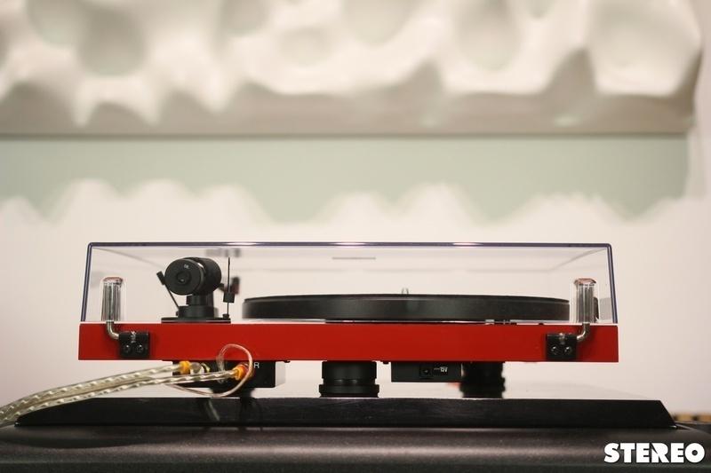 Mâm đĩa than Pro-Ject Debut Carbon EVO: Bản cải tiến đáng giá từ dòng mâm Debut Carbon