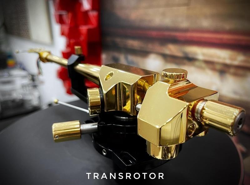 Tay cần tham chiếu Transrotor TRA9 chính thức xuất hiện ở Việt Nam