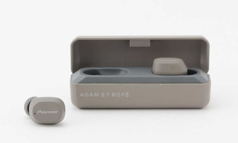 Pioneer hợp tác cùng Adam Et Ropé ra mắt phiên bản đặc biệt của C5 True Wireless